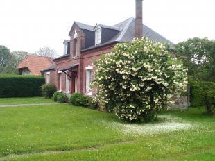 Vakantiehuis: Gezellig familie-vakantiehuis, heerlijke, grote tuin, buiten-barbecue, kust en bossen, genieten ...