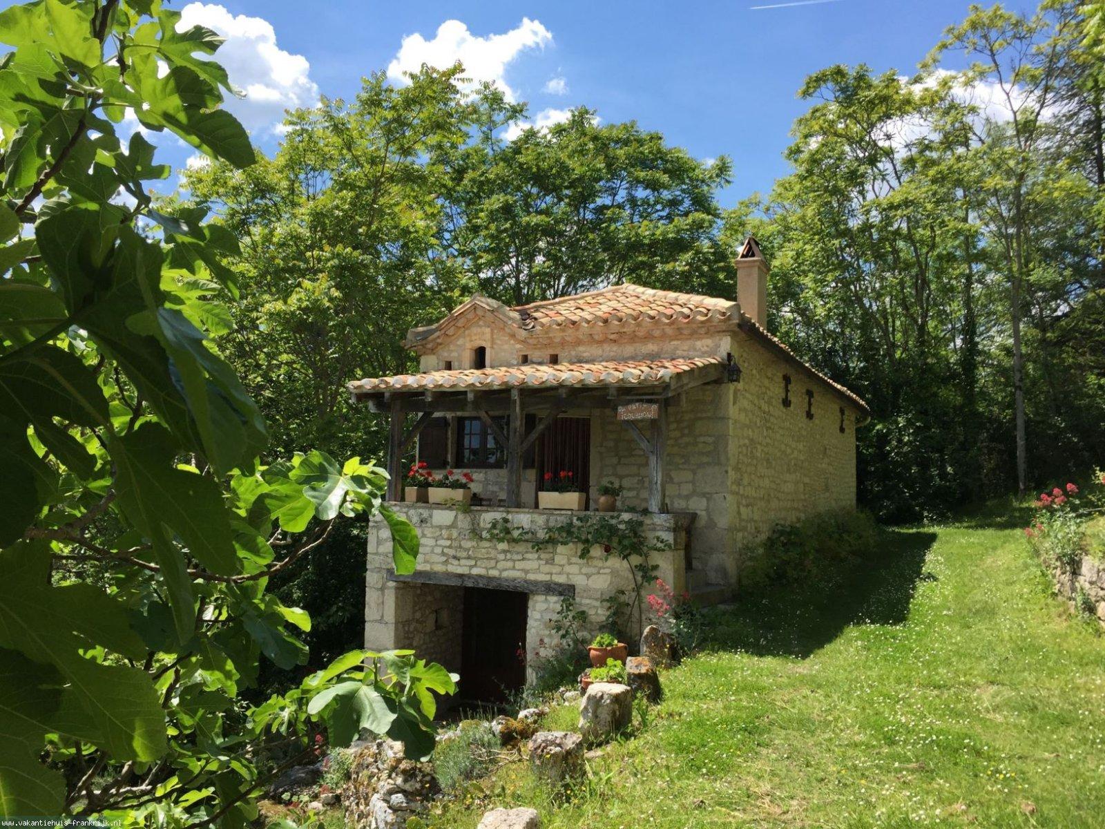 Vakantiehuis: Vakantiehuis Quercy te huur (Gite) Lot Midi Pyrenees. te huur voor uw vakantie in Lot (Frankrijk)