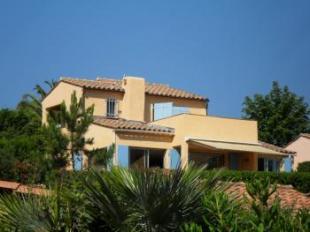Vakantiehuis Cote d'Azur: Theoule sur Mer Vakantiehuis voor 6 pers. Schitterend uitzicht over baai naar Cannes. Nabij strand.