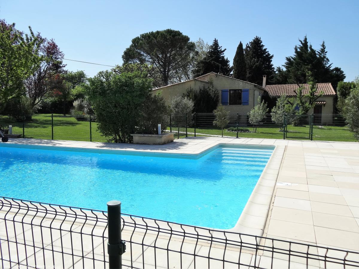 Vakantiehuis: Luxe villa in de Drôme-Provencale: max 10 personen (+ evt 3 of 4 kindjes/baby's extra) met groot zwembad, wifi en grote tuin. te huur voor uw vakantie in Drome (Frankrijk)