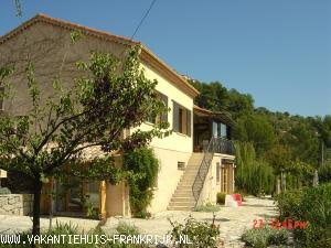Vakantiehuis: Vakantiehuis, schitterende locatie, zwembad, dichtbij dorp te huur voor uw vakantie in Var (Frankrijk)