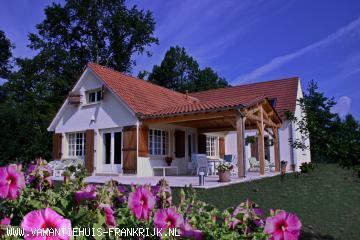 Vakantiehuis: Villa La Besse een oase van rust waar stilte en schoonheid in elkaar overgaan te huur voor uw vakantie in Dordogne (Frankrijk)