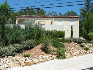 Vakantiehuis: Vakantiehuis met prive-zwembad in de groene Provence te huur voor uw vakantie in Var (Frankrijk)