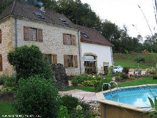 Vakantiehuis: Maison Les Carrières is een mooi en rustig vakantiehuis, gelegen in de mooie natuur. Chambres d'Hotes mogelijk kamer & ontbijt aan 89 euro voor 2 pers