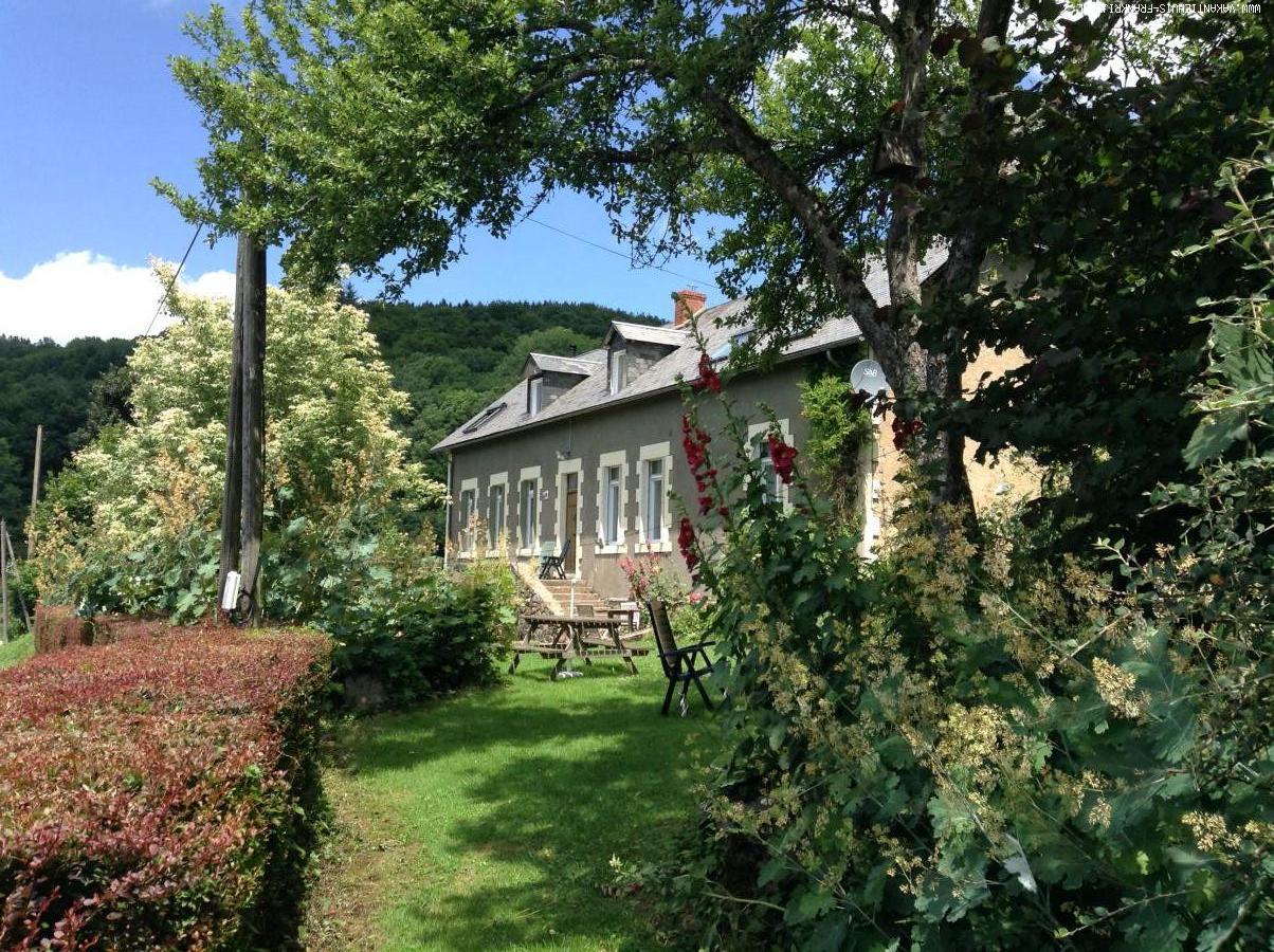 Vakantiehuis: Vakantiehuis in oude school in de Morvan voor 2-7 personen te huur voor uw vakantie in Nievre (Frankrijk)