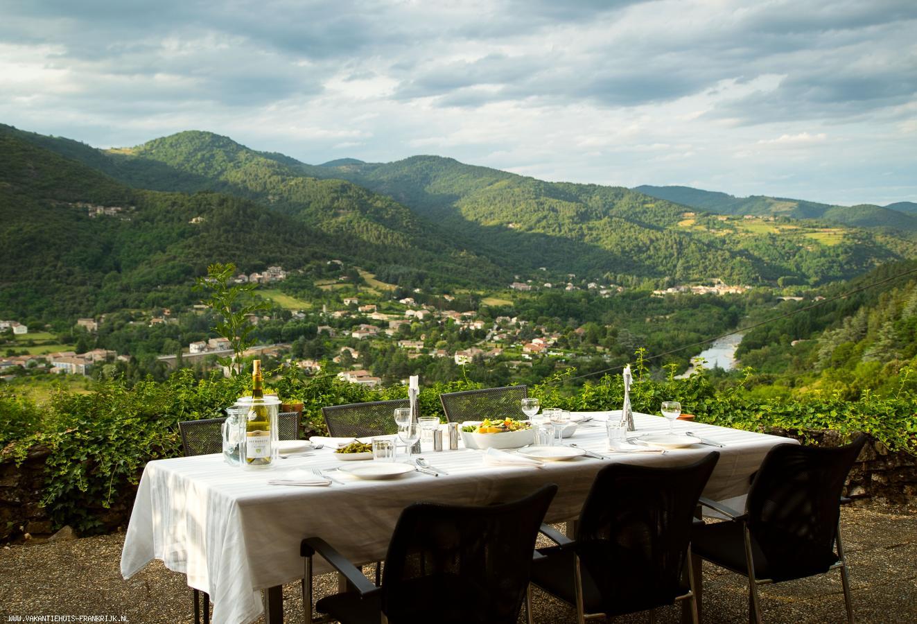 Vakantiehuis: Karakteristiek vakantiehuis te huur in beschermd natuurgebied in de Ardèche te huur voor uw vakantie in Ardeche (Frankrijk)