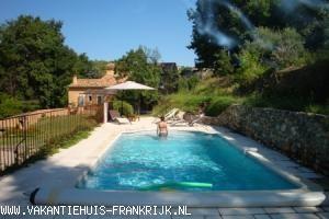 Vakantiehuis Provence: Heerlijk huis op groot terrein met zwembad voor 8 personen in Provence!