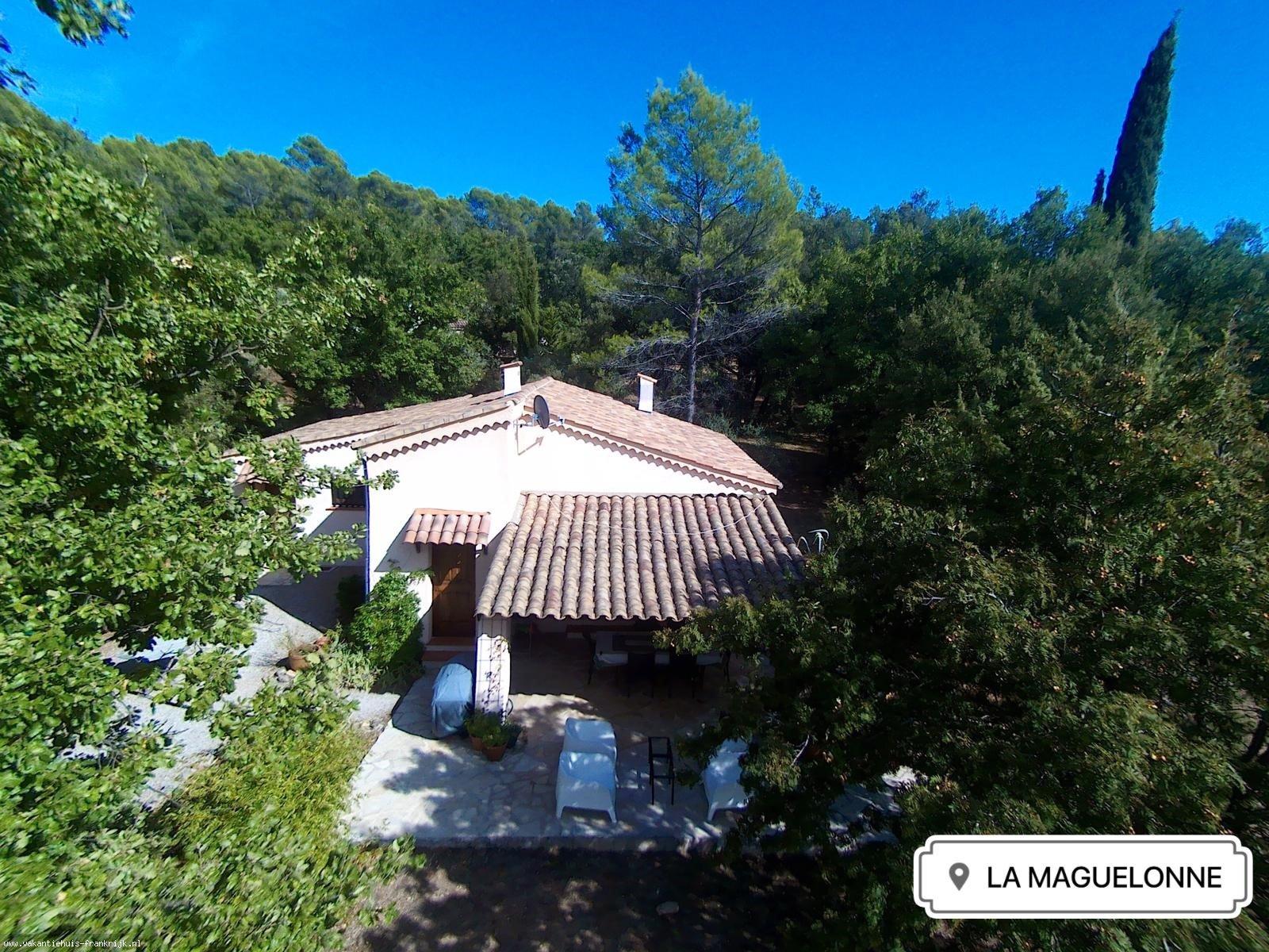 Vakantiehuis: Callas; bij kust, meren en bergen: Vrijstaand vakantiehuis met prachtig uitzicht, privé zwembad en volop privacy te huur voor uw vakantie in Var (Frankrijk)