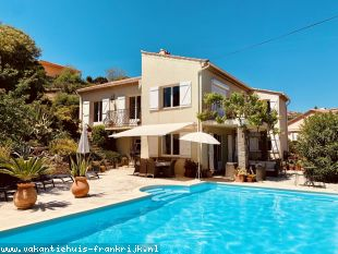Vakantiehuis: Zeer smaakvol vakantiehuis (villa) met airco en riant verwarmd zwembad te huur voor 8 personen in Zuid Frankrijk