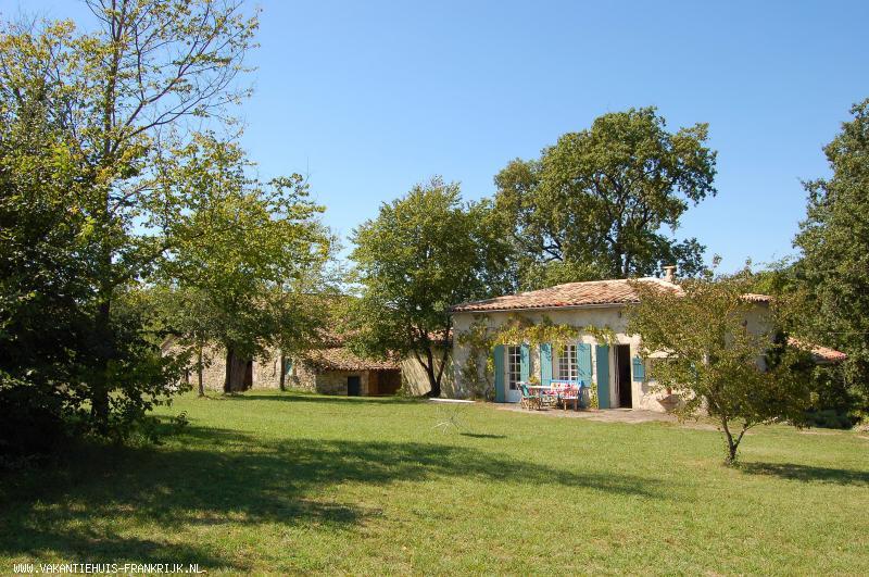 Vakantiehuis: Idyllisch vakantiehuis/gite/boerderijtje, geheel vrij gelegen in de natuur , te huur voor uw vakantie in Lot et Garonne (Frankrijk)