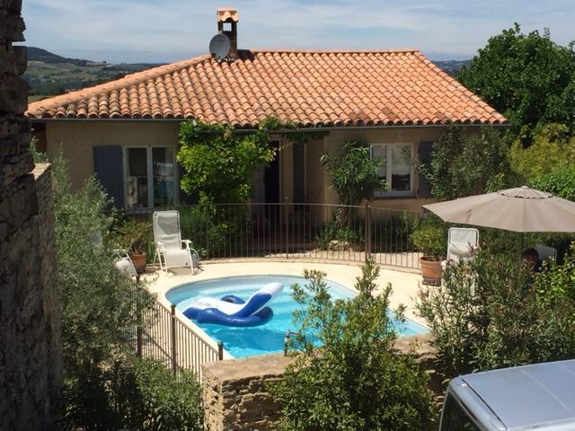 Vakantiehuis: Vakantiehuis met verwarmd zwembad in de Vaucluse biedt privacy en de gezelligheid van een dorp! te huur voor uw vakantie in Vaucluse (Frankrijk)