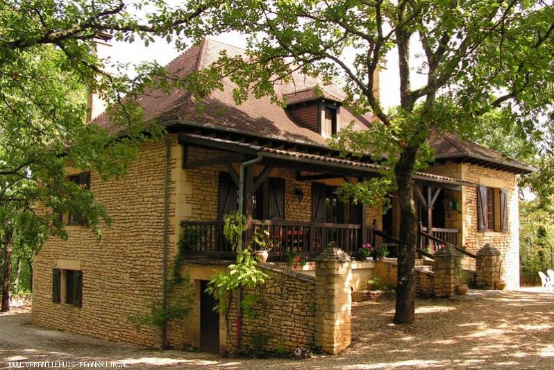 Vakantiehuis: Prachtig vakantiehuis in Dordogne veel privacy, privé zwembad te huur voor uw vakantie in Dordogne (Frankrijk)