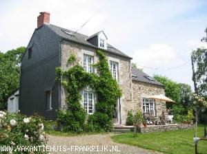 Vakantiehuis: LES HORTENSIAS vakantiehuis Normandie, SCHITTEREND UITZICHT VANOP DE MONT ROBIN, RUSTIG GELEGEN. te huur voor uw vakantie in Manche (Frankrijk)