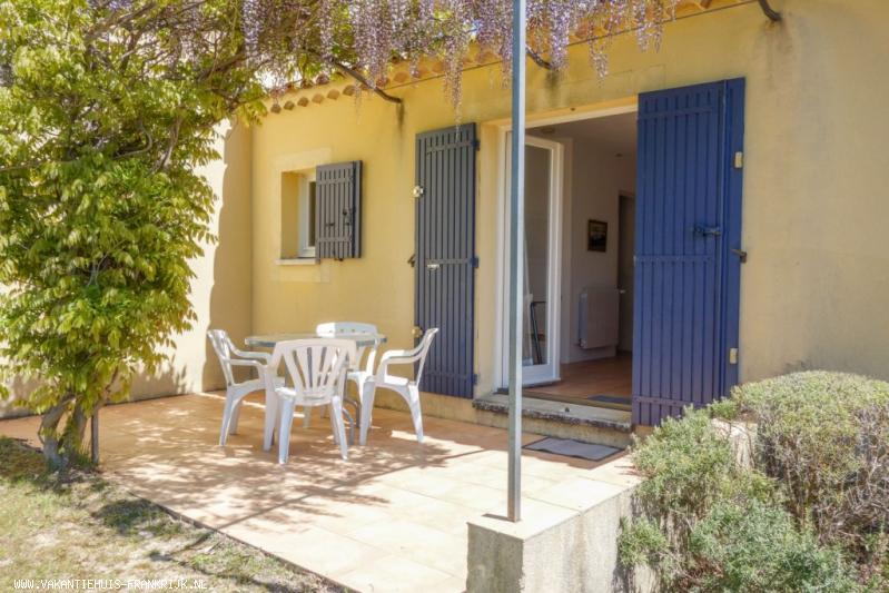 Vakantiehuis: Rustig gelegen bungalow (max. 4p) met verwarmd zwembad. In de prachtige, afwisselende Drôme Provençale, Mont Ventoux 18km te huur voor uw vakantie in Drome (Frankrijk)