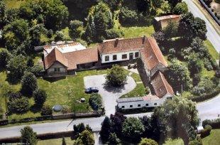 De Grand Gîte in Festina Lente Een luchtfoto van de woning in Festina Lente.