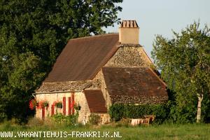 Vakantiehuis: mooi vakantiehuis met zwembad in de dordogne te huur voor uw vakantie in Dordogne (Frankrijk)