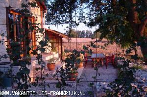 Vakantiehuis: Prachtige gite met een vergezicht vanuit de jacuzzi en of terras te huur voor uw vakantie in Lot et Garonne (Frankrijk)