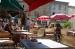 terrasjes op de markt van Vernoux e. V.