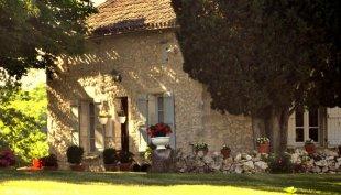 Gite op Les Garosses Les Garosses ligt landelijk, maar niet afgelegen op 200m. van het dorp Roquecor
