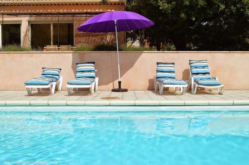 Vakantiehuis: Uw villa voor 11 personen. Proef en voel de Provence! te huur voor uw vakantie in Alpen de Haute Provence (Frankrijk)