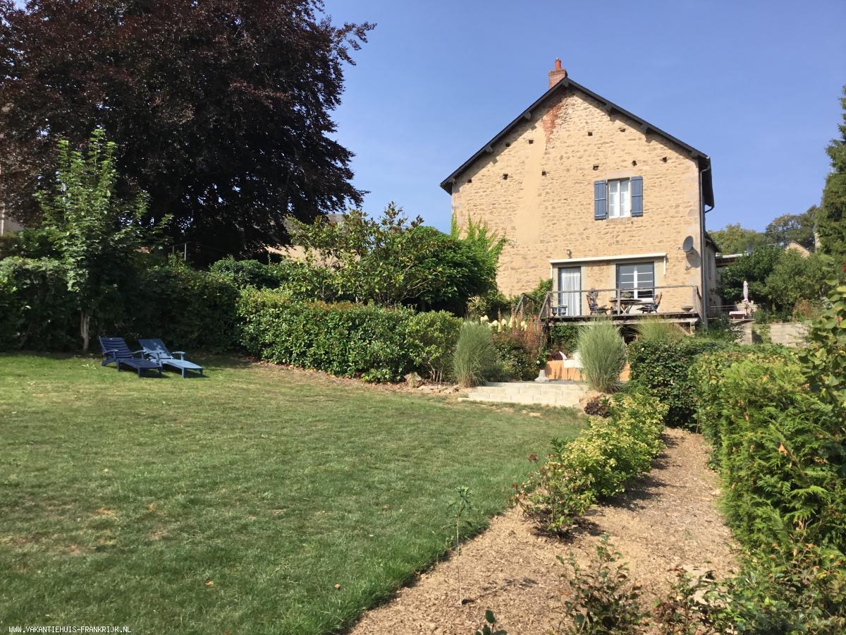 Vakantiehuis: Vakantiehuis in de Bourgogne-Nievre-Morvan/Larochemillay voor tot 4 personen. te huur voor uw vakantie in Nievre (Frankrijk)