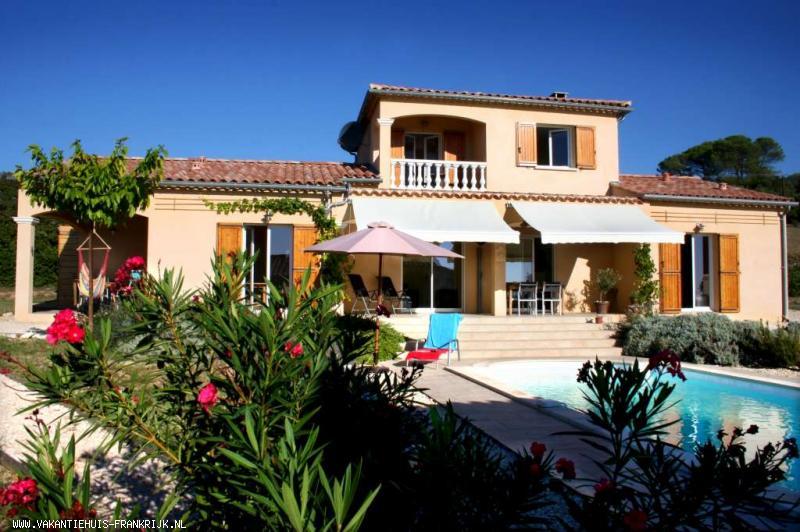 Vakantiehuis: Prachtige vakantie villa tot 10 personen in de Gard te huur voor uw vakantie in Gard (Frankrijk)