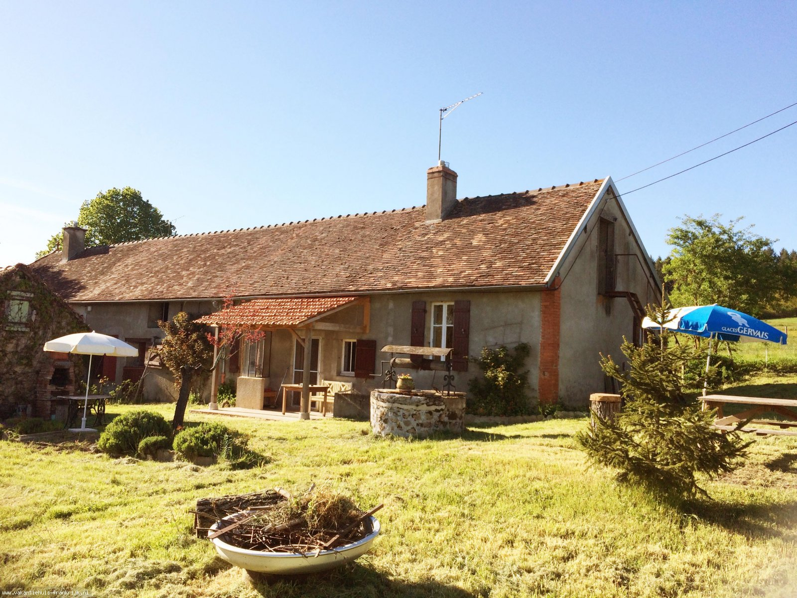Vakantiehuis: Genieten van het Bourgondische buitenleven in ons landelijk gelegen vakantiehuis te huur voor uw vakantie in Saone et Loire (Frankrijk)