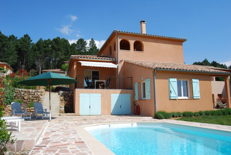 Vakantiehuis: Uw vakantie villa met privé zwembad in de zonnige Zuid-Ardèche. <br />Kom tot rust in de warmte van het gezellige Joyeuse&#33; te huur voor uw vakantie in Ardeche (Frankrijk)