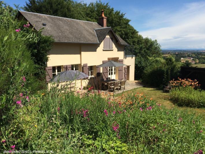 Vakantiehuis: Zeer luxe vakantiewoning voor twee personen in de Bourgogne te huur voor uw vakantie in Nievre (Frankrijk)