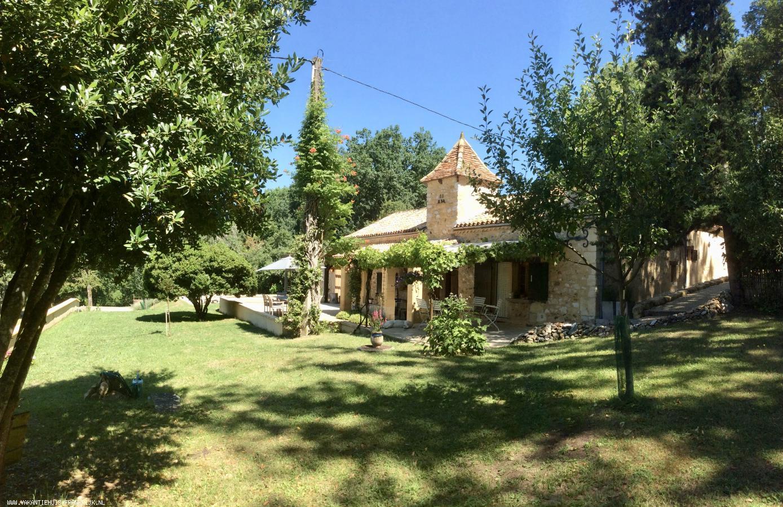 Vakantiehuis: Luxe oud gerenoveerd boerderijtje met karakter met veel privacy op loopafstand van dorpje te huur voor uw vakantie in Dordogne (Frankrijk)