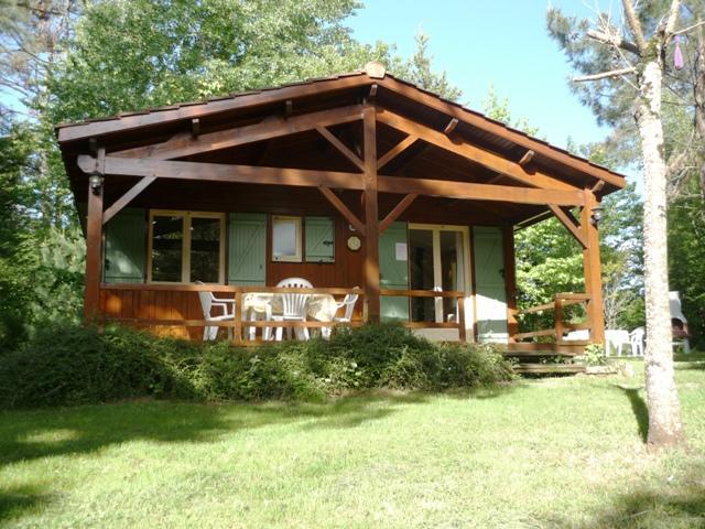 Vakantiehuis: Geheel vrij op berg gelegen vakantiehuis  in een prive bos van 6 hectare te huur voor uw vakantie in Lot et Garonne (Frankrijk)