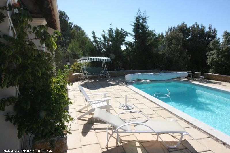 Vakantiehuis: Bungalow (2012) La Gloire de Guillaume, met airco en privé zwembad in de Vaucluse (Provence, Vaucluse, Alpen Côte D'Azur) te huur aangeboden te huur voor uw vakantie in Vaucluse (Frankrijk)