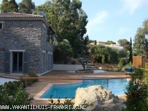 Vakantiehuis Cote d'Azur: Charmante villa aan de azurenkust met zeezicht voor 8 pers