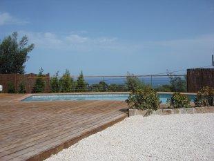 zeezicht en zwembad