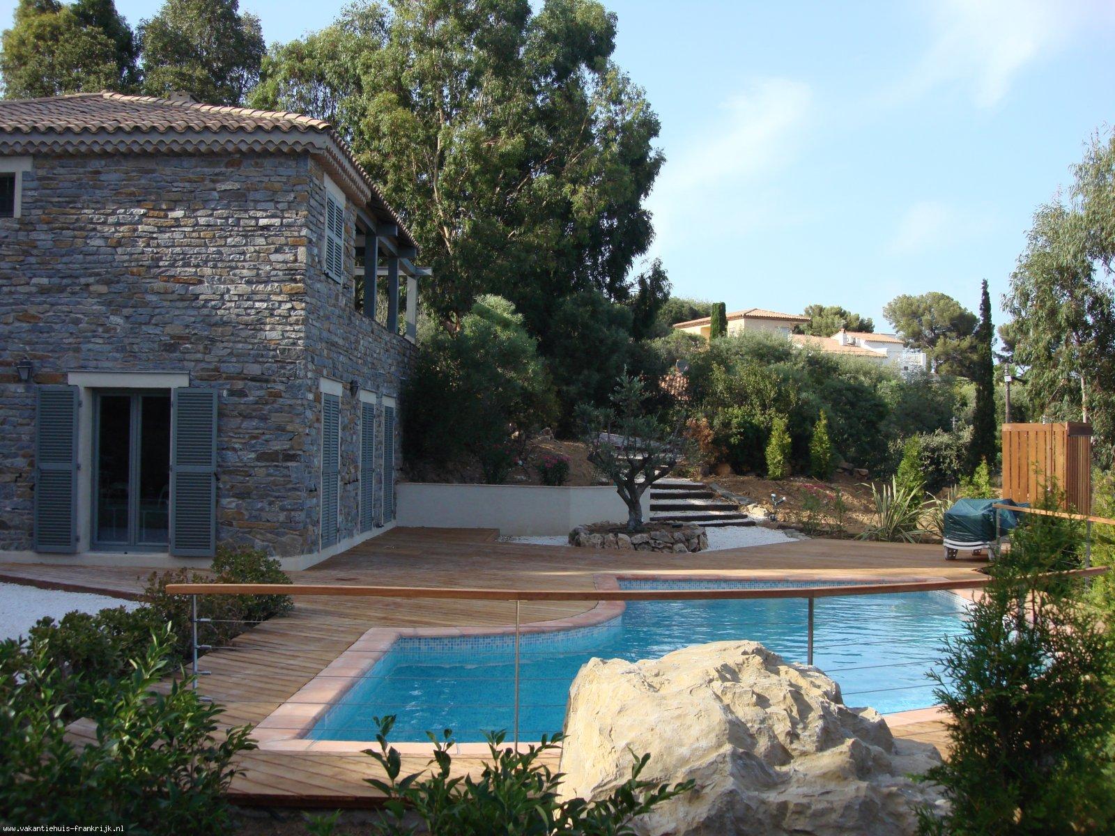 Vakantiehuis: Charmante villa aan de azurenkust met zeezicht voor 8 pers te huur voor uw vakantie in Var (Frankrijk)