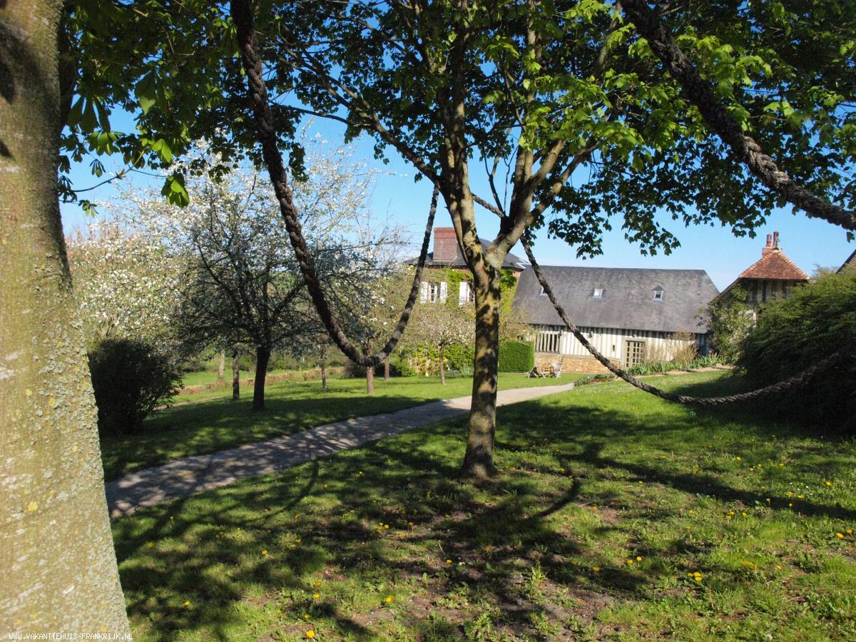 Vakantiehuis: Karakteristieke authentieke boerderij met alle comfort tussen de heuvels van het Normandische platteland, ideaal voor gezin met kinderen te huur voor uw vakantie in Calvados (Frankrijk)