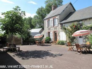 Vakantiehuis: Normandische boerderij met een grote cour, als geheel of in delen te huur voor 2 tot 12 personen, in een landelijke omgeving vlak bij prachtige strand te huur voor uw vakantie in Manche (Frankrijk)