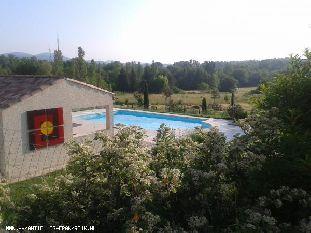 Vakantiehuis: Studio voor twee personen in rustige omgeving, weids uitzicht, privé zwembad. Veel bezienswaardigheden in de omgeving.