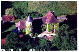 Vakantiehuis: UW EIGEN KASTEELTJE, EEN DROOMVAKANTIE VOOR JONG EN OUD te huur voor uw vakantie in Dordogne (Frankrijk)