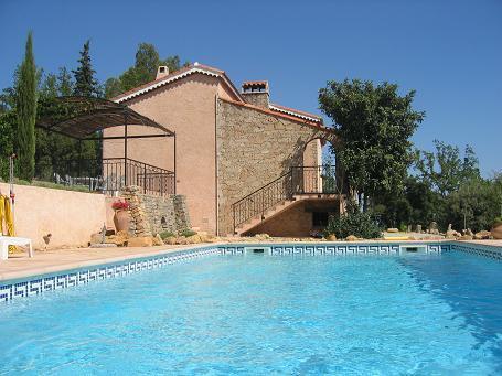 Vakantiehuis: Villa Zomerzin heeft een privé zwembad in een ruime tuin. te huur voor uw vakantie in Var (Frankrijk)