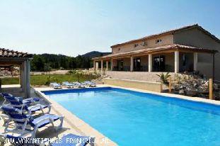 Vakantiehuis: Vakantiehuis bestaande uit 3 gîtes met verwarmd zwembad in Vallon Pont d'Arc!