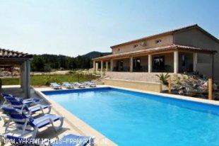 Vakantiehuis: Vakantiehuis bestaande uit 3 gîtes met verwarmd zwembad in Vallon Pont d'Arc! te huur in Ardeche (Frankrijk)