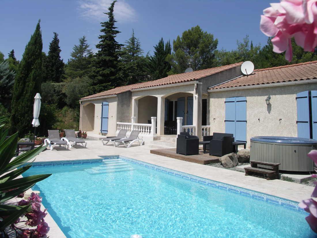 Vakantiehuis: Mooie vakantievilla (6p), rustige omgeving, verwarmd prive zwembad en jacuzzi te huur voor uw vakantie in Herault (Frankrijk)