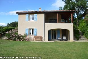 Vakantiehuis: 2-6 pers.Villa met parkzwembad en tennisbanen, op 4 sterren villapark Domaine Les Rives de l'Ardèche in Vallon Pont d'Arc