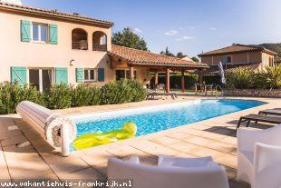 Vakantiehuis: Luxe 2-8 pers. Villa met privé zwembad van 11 m., Airco op 3 slaapk., WIFI, Villapark Les Rives de l'Ardèche-Vallon Pont d'Arc