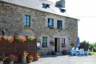 Vakantiehuis: Vakantiehuis Bretagne op landgoed RANLEON (Online reserveren mogelijk op www.manoirderanleon.fr -Nederlandse website) te huur in Cotes d'Armor (Frankrijk)