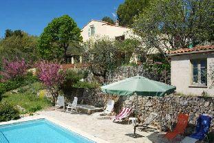 Vakantiehuis: sfeervolle vakantie villa met adembenemend uitzicht in Bargemon Cote d'Azur voor max. 6 personen