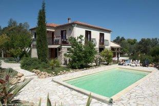 Vakantiehuis: Ruime vakantievilla met heerlijk privé zwembad aan de voet van de Pyreneeën, dichtbij de Middellandse Zee te huur in Pyrénées Orientales (Frankrijk)