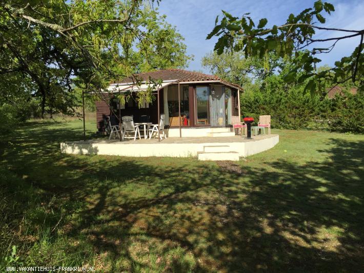 Vakantiehuis: Heerlijk chalet op kleinschalig familie vakantiepark te huur in het mooiste stukje van Frankrijk. te huur voor uw vakantie in Lot (Frankrijk)