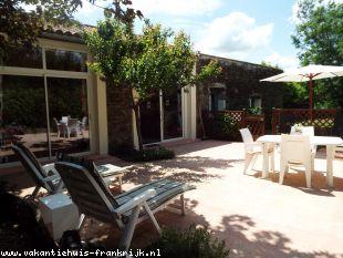 Vakantiehuis: Mooie vakantiewoning met gebruik van zwembad in een rustige omgeving, niet ver van zee.